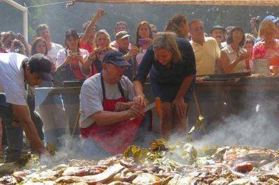Residentes y turistas disfrutaron de una nueva edición de la Fiesta Nacional del Curanto