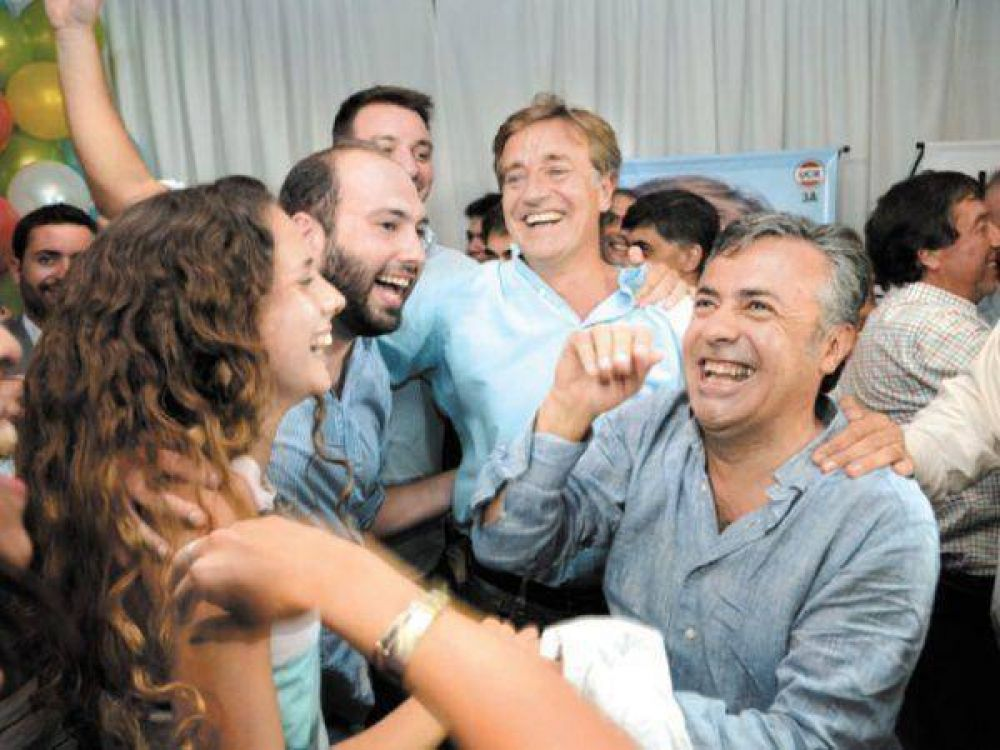Una para la UCR y Macri, otra para el FR