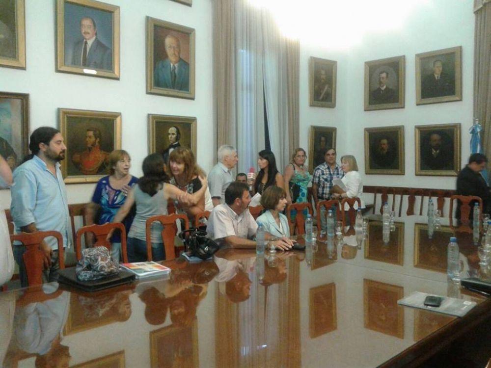 Agmer volvió a declarar insuficiente la nueva propuesta de aumento del Gobierno