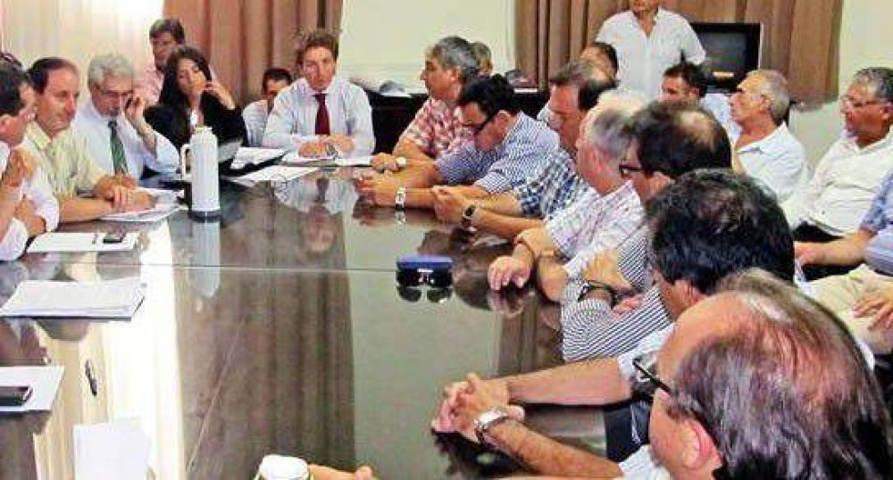 Día clave en la negociación de municipales