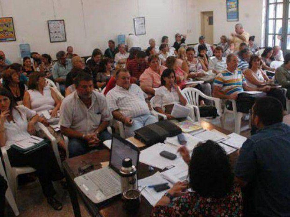 Los maestros deciden si aceptar la propuesta o hacer paros de 48 y 72 horas