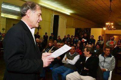 Massera presentó su renuncia como secretario de Gobierno