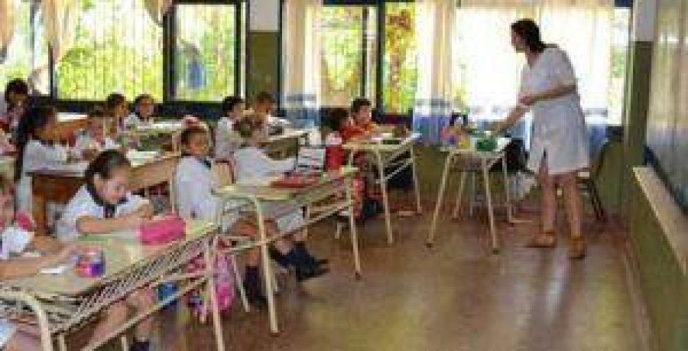 Docentes esperan el llamado de García para negociar paritarias