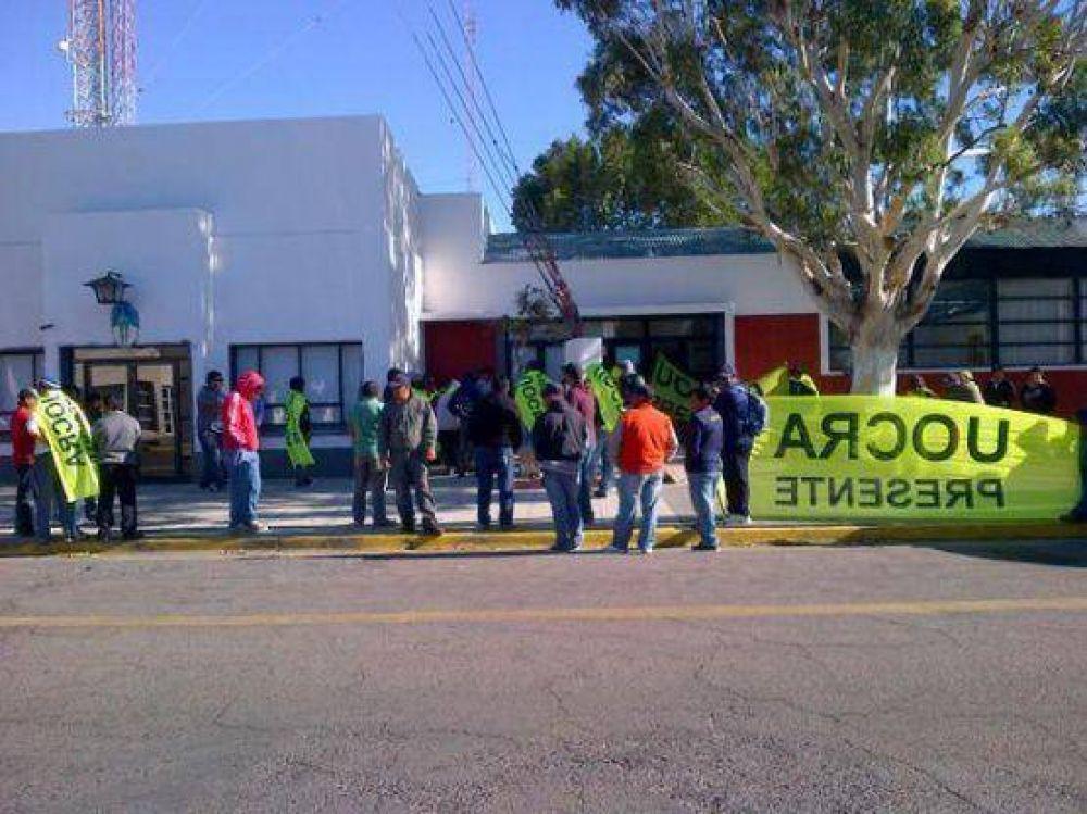 UOCRA: Nuevo reclamo frente a la municipalidad de Caleta Olivia