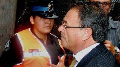 Stiuso se fue del país por amenazas, dijo su abogado