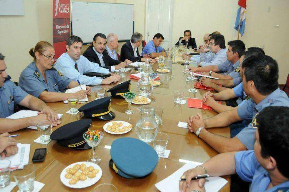 La provincia propuso un incremento del 31% para policías y agentes penitenciarios
