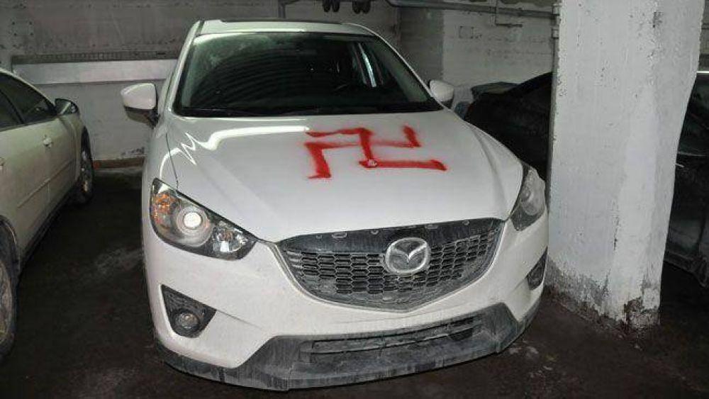 Canadá: Pintan esvásticas en cuatro autos y dejan sobres con balas en Montreal