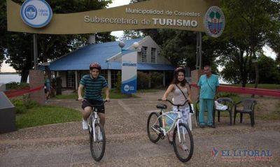 Bicicletas prestadas para pasear por la costa, un servicio con creciente demanda