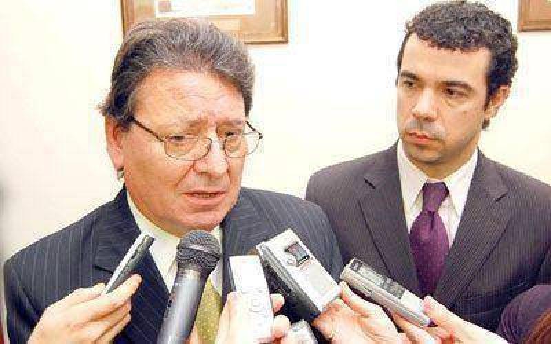 Estatales de Chubut tendrán una suba salarial entre el 14 y el 17%