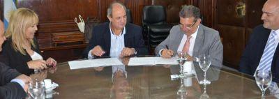 Naci�n invertir� 22 millones de pesos para ampliar la empresa LEDLaR