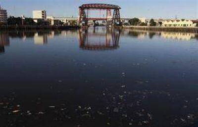 Riachuelo: temen que el dragado contamine el Río de la Plata