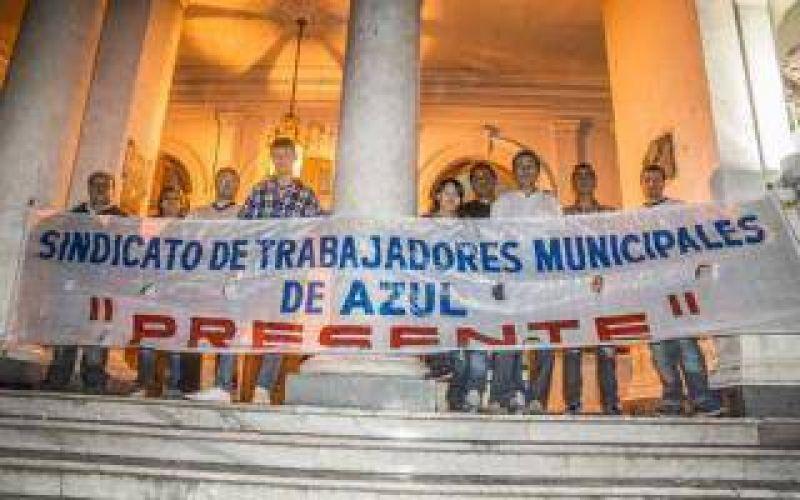 Azul: Trabajadores municipales tomaron la sede del Gobierno de Inza