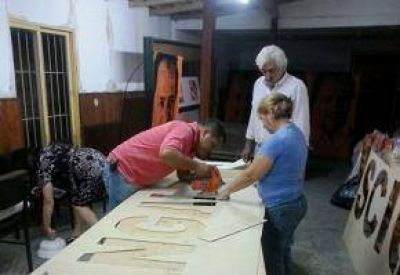 Elecciones 2015: P�ngaro intensifica su campa�a