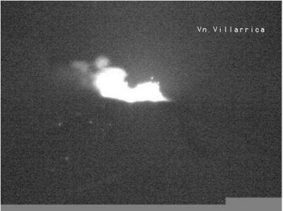 Volcán Villarrica: La lava está a 100 metros del cráter