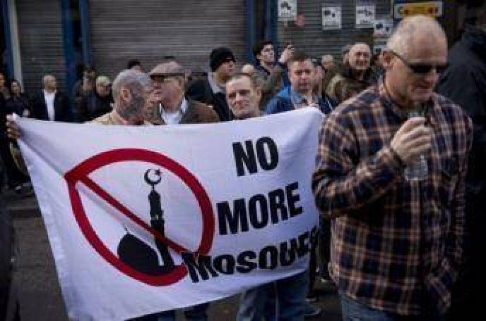 Los islamófobos de Pegida reúnen apenas a 300 seguidores en Inglaterra