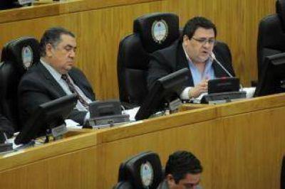 """Opositores condenaron las """"omisiones"""""""