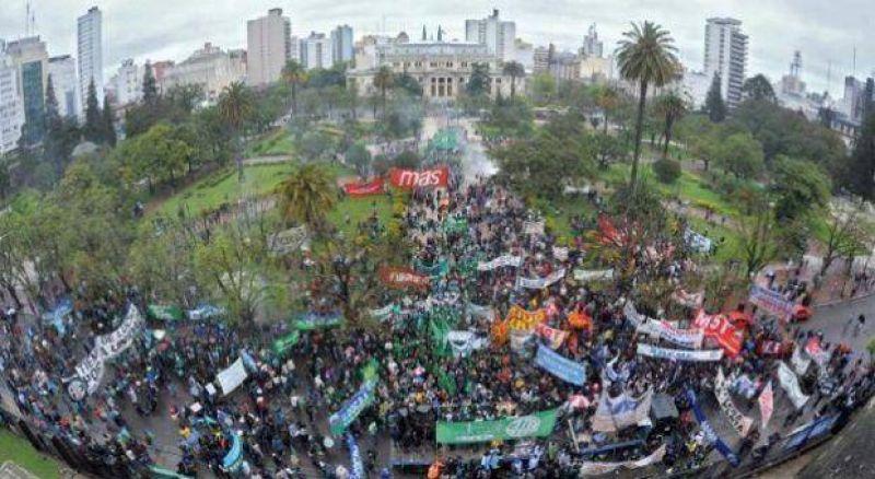 Tras rechazo salarial, los gremios de la CTA Autónoma marcharán hoy a Casa de Gobierno