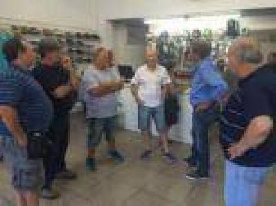 """La Plata: Garro muestra """"chapas"""" y ya se siente el candidato de Macri"""