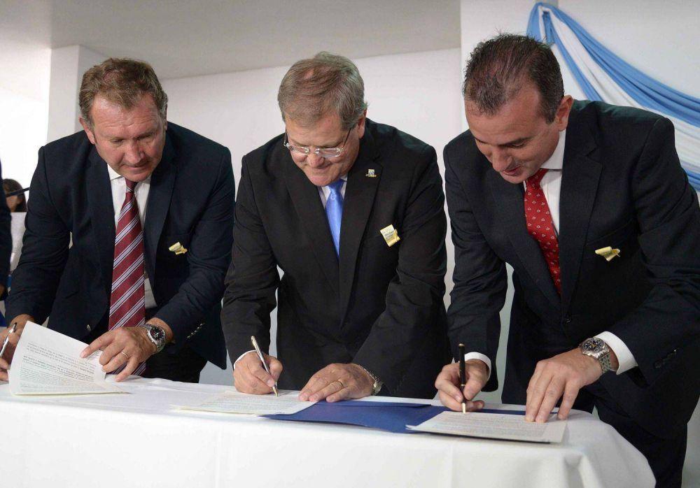 El Gobierno firmó el inicio de obra para la construcción de las cloacas de Malargüe