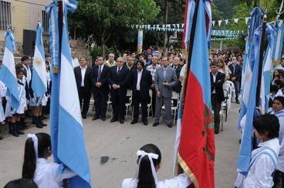 El ministro Ariza inauguró el ciclo lectivo 2015 en El Rodeo