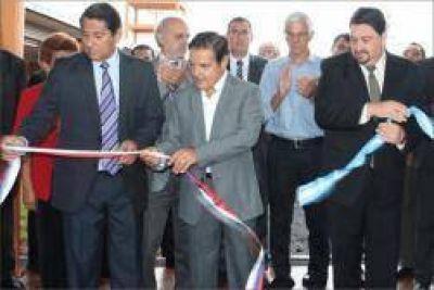 Inauguran escuelas con el inicio de clases en toda la provincia