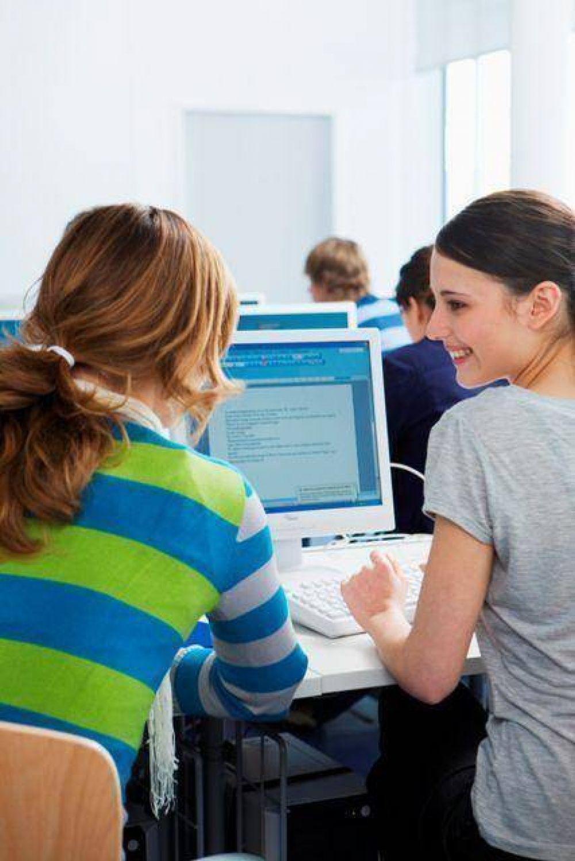 El Servicio de Empleo de AMIA asesora y capacita a quienes buscan trabajo