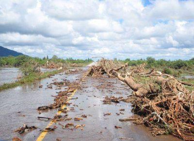 Continúa el corte total de la ruta nacional 20 en Quines y Luján