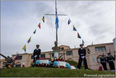 """Homenaje al Almirante Guillermo Brown, """"San Martín de los mares"""""""