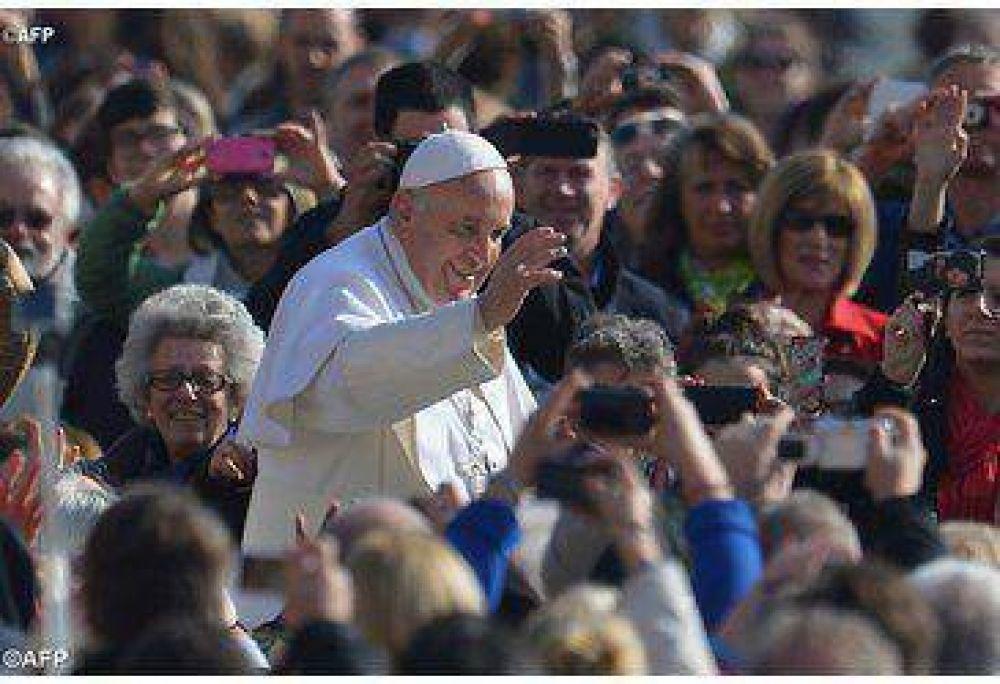 Una sociedad que no favorece el afecto es perversa, dijo el Papa