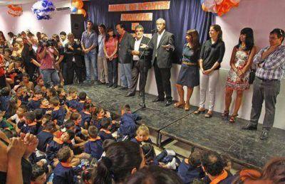 Ferraresi inauguró obras de remodelación en tres jardines municipales