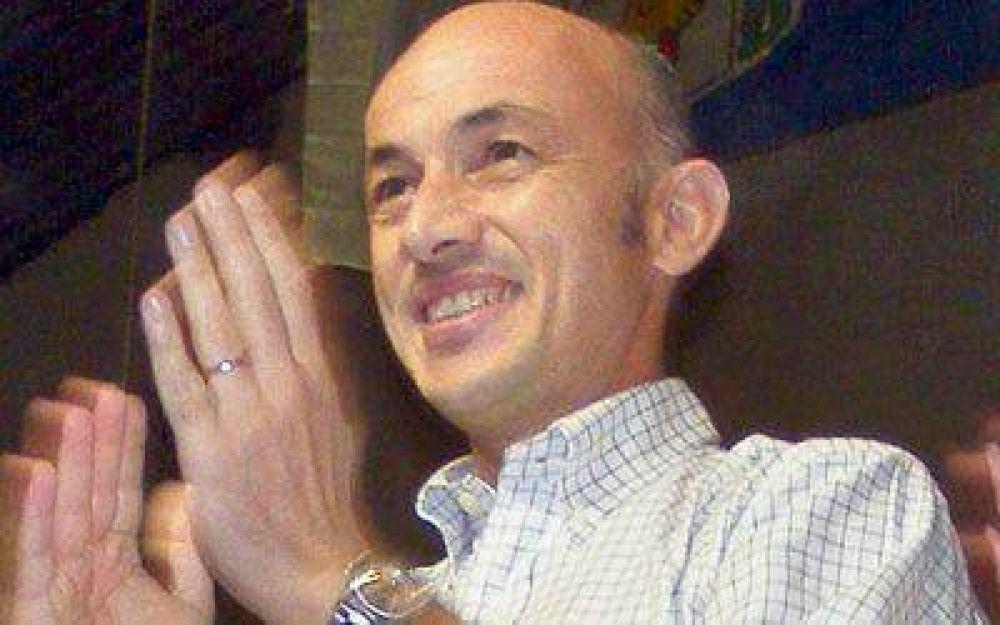 Cotillo confirmó ayer que renuncia como diputado y continúa como intendente