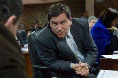 """""""Castillo no se anima a ir solo y por eso ahora el FCS quiere las PASO"""