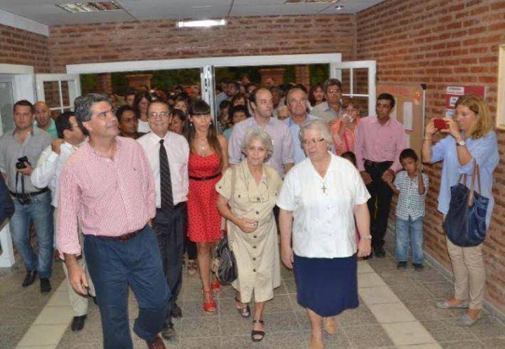 Capitanich inauguró una escuela primaria en Tres Isletas y anunció la repavimentación de la ruta 95