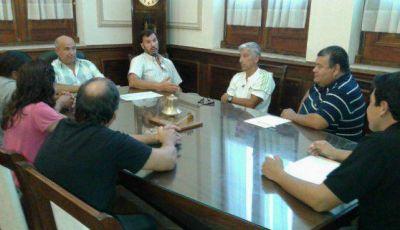 Por salarios, el Ejecutivo se reunió con el gremio municipal