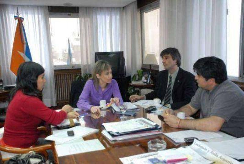 El Gobierno provincial inici� el di�logo con los gremios por el presupuesto 2010