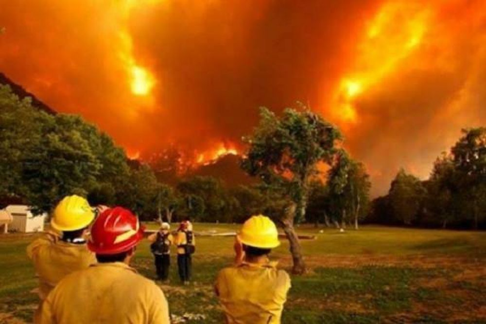 Cáritas pide ayuda para combatir el fuego