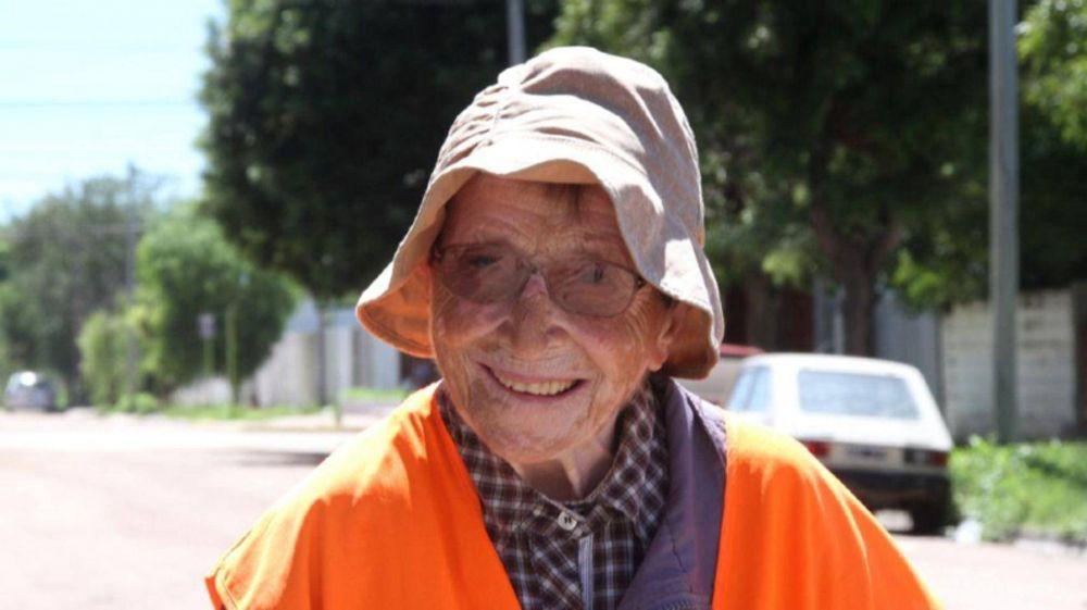 Con 91 años camina desde Tucumán a Luján para pedir por los jóvenes