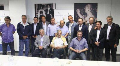 Scioli se reunió con intendentes de la populosa Tercera Sección Electoral