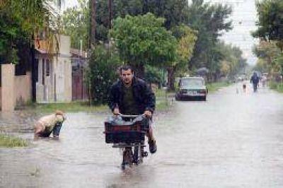 Los evacuados superan los 6.000 en tres provincias y mejora el tiempo en Córdoba y Santa Fe