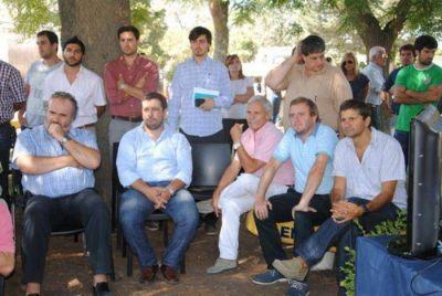 "Concejales del ""FpV"" aplaudieron al Intendente desde la primera fila ¿se viene un Frente Kirchnerista?"