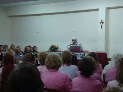 Con un panel ecuménico, la Iglesia celebra el día de la mujer