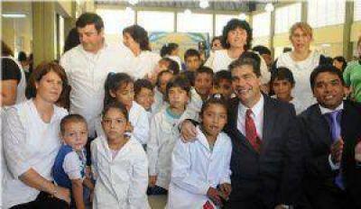 Capitanich en Lapachito: La educación pública es la herramienta para la construcción de conocimientos