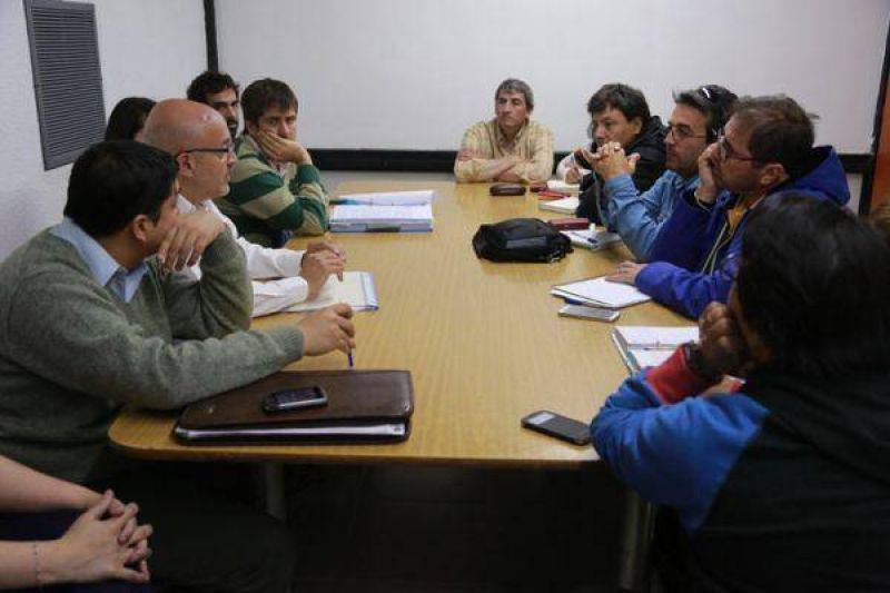 28,3% y re escalafonamiento de directivos, la nueva oferta del gobierno a docentes