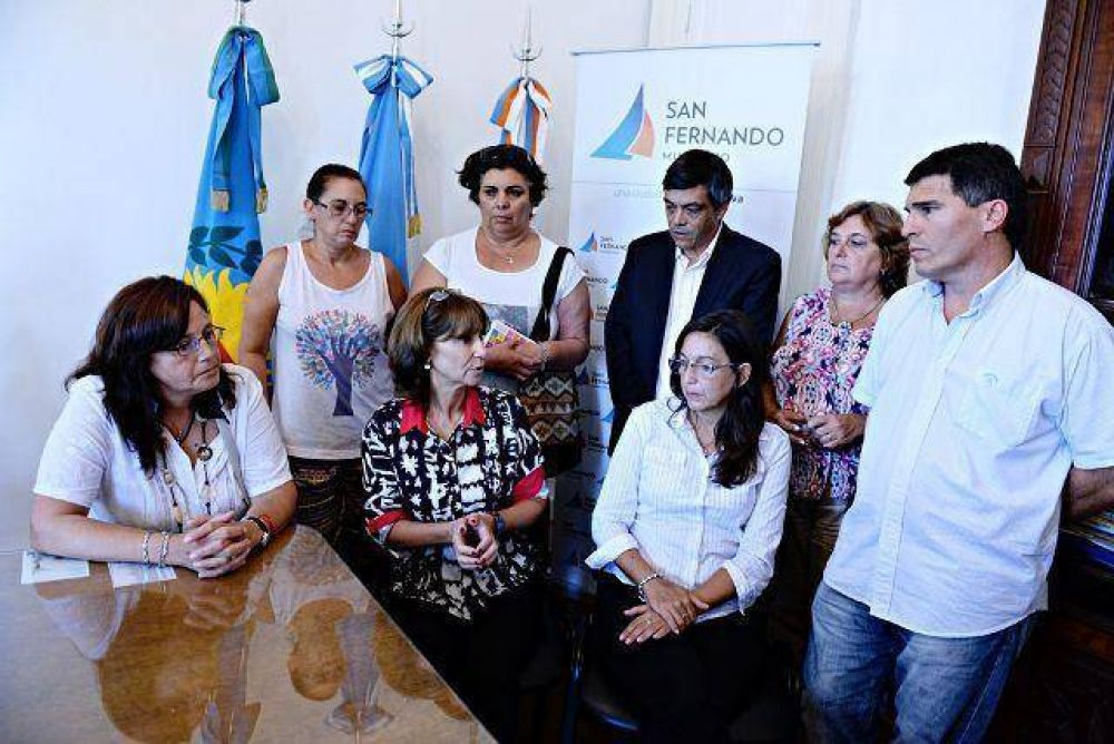 Apoyo del Municipio, el Consejo Escolar y los sindicatos por el ataque a la maestra Cinzia Pellegrini
