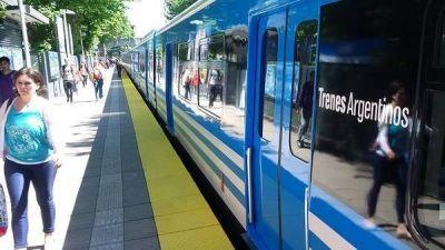 Para la campaña, el Gobierno incrementa la polémica compra de trenes a China