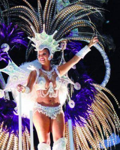 Comparsa Imperio campeona del Carnaval 2015