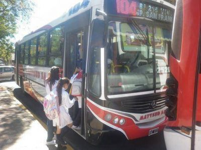 Los alumnos de primaria zarateños tendrán boleto gratuito de transporte