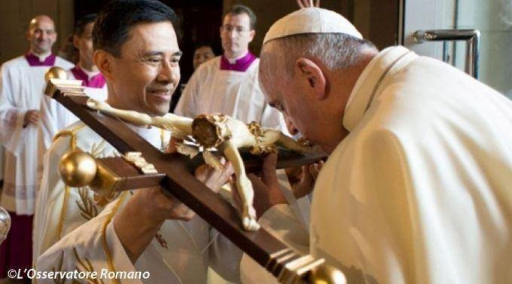 """Jesús no da a palos nunca y su """"látigo"""" es su misericordia, asegura Papa Francisco"""