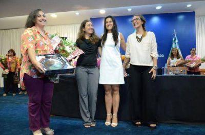 La comunicadora social Alejandra Zacarías es la Mujer Destacada del Año