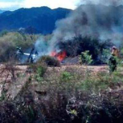 Chocaron dos helicópteros en Villa Castelli: 10 muertos